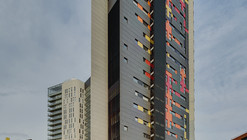Silk Apartments / Tony Caro Architecture