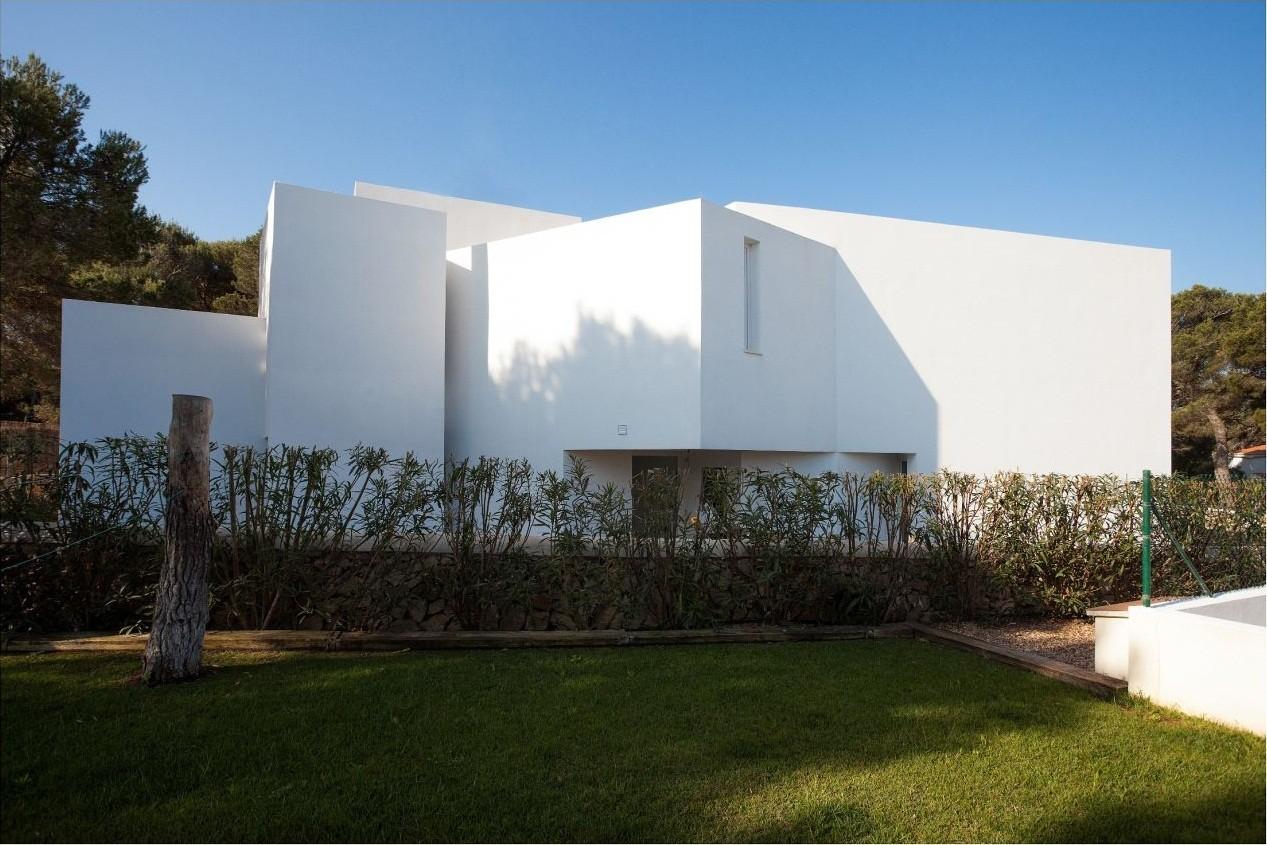 Casa entre los Pinos / Ignacio Romera Gonzalo