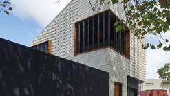 Little Brick Studio / MAKE Architecture