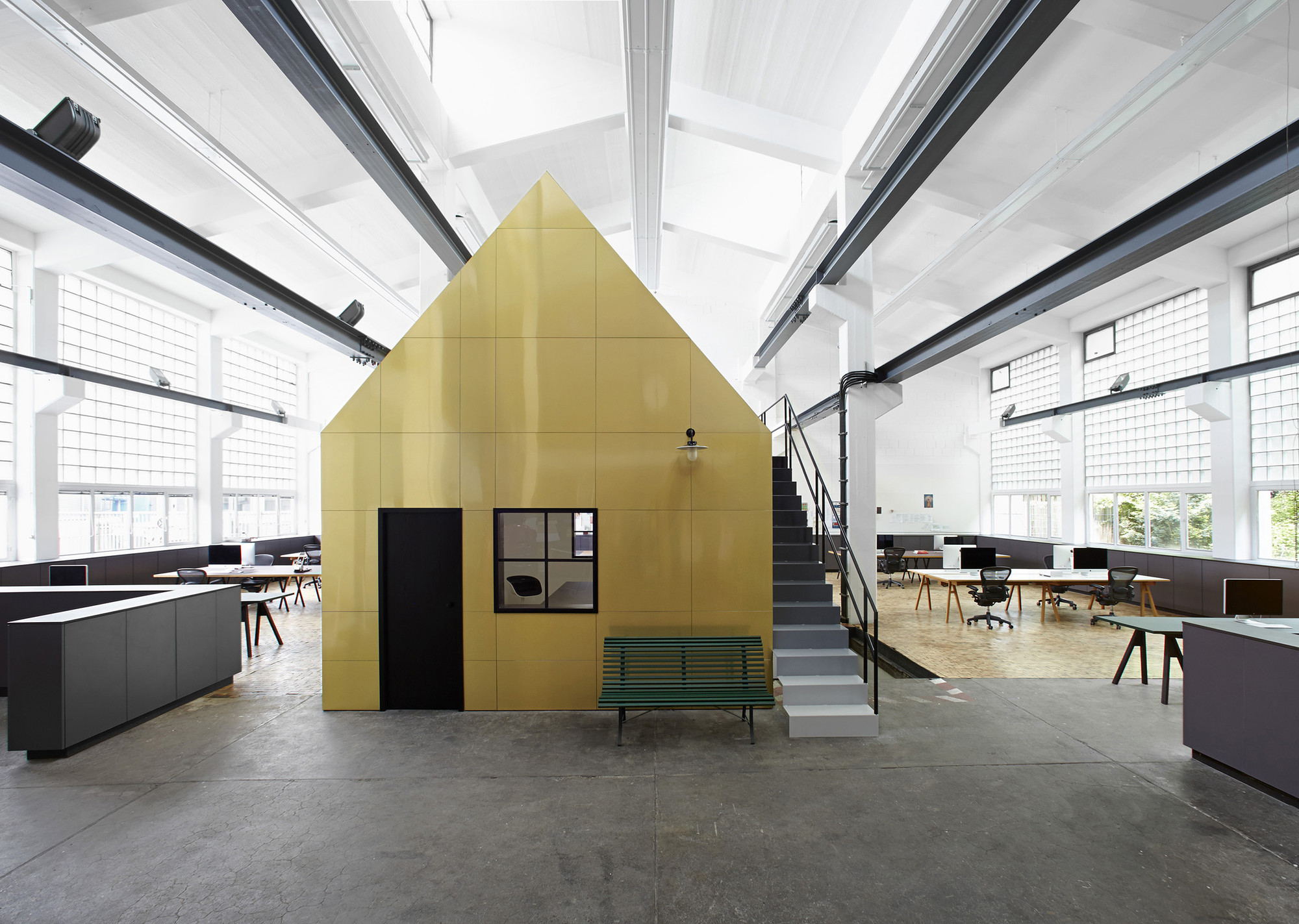 Halle A / Designliga