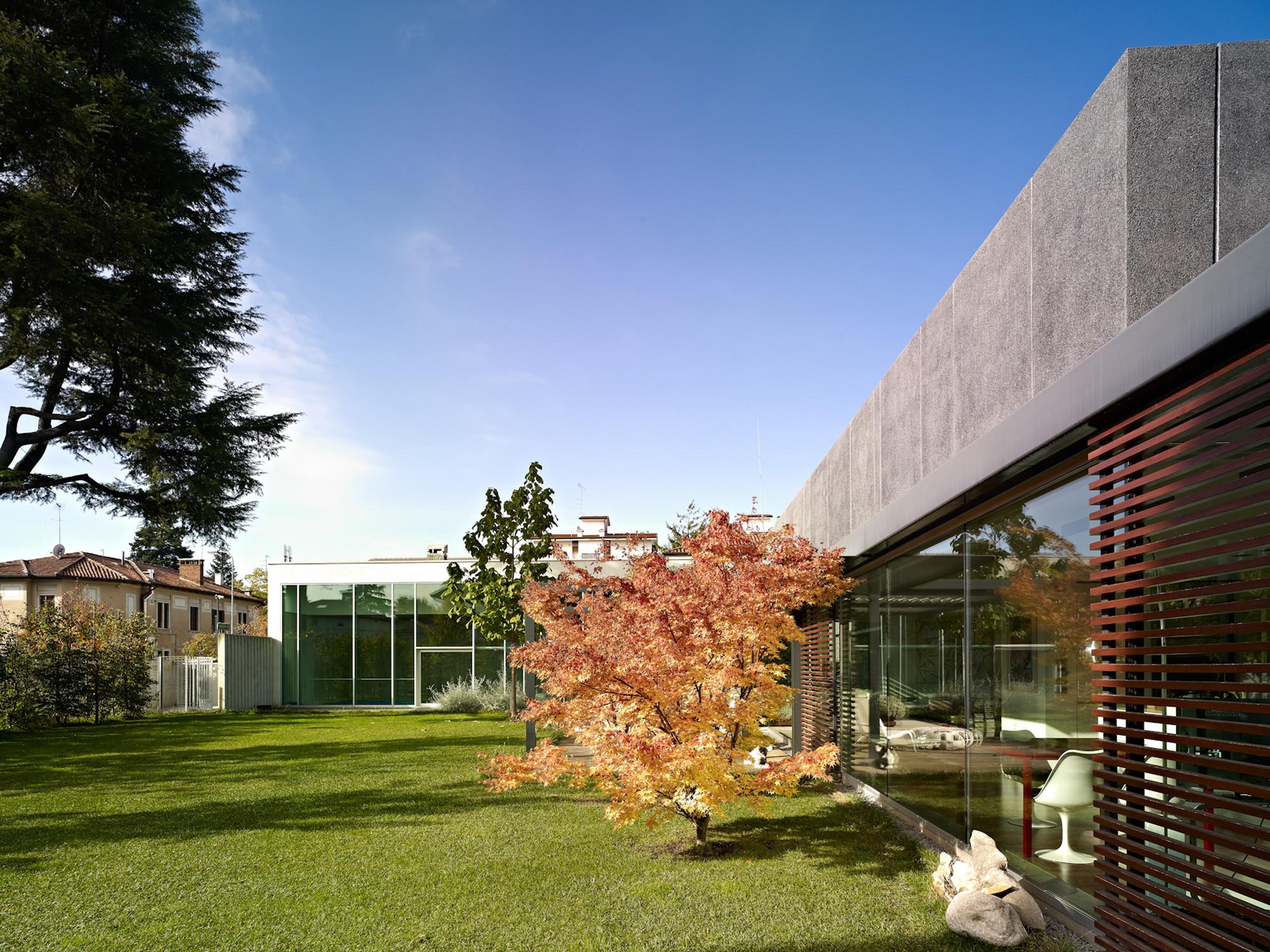DC House / Geza