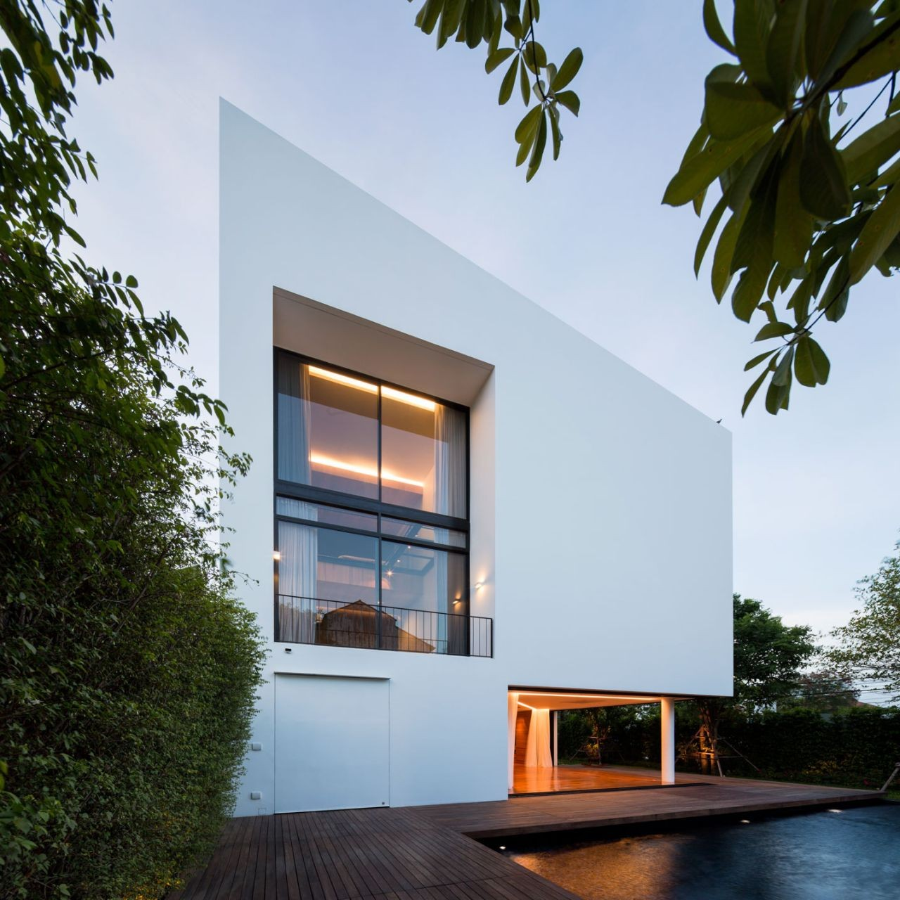 Architecture Exterior Lighting White Small Modern House: Baan Moom / Integrated Field