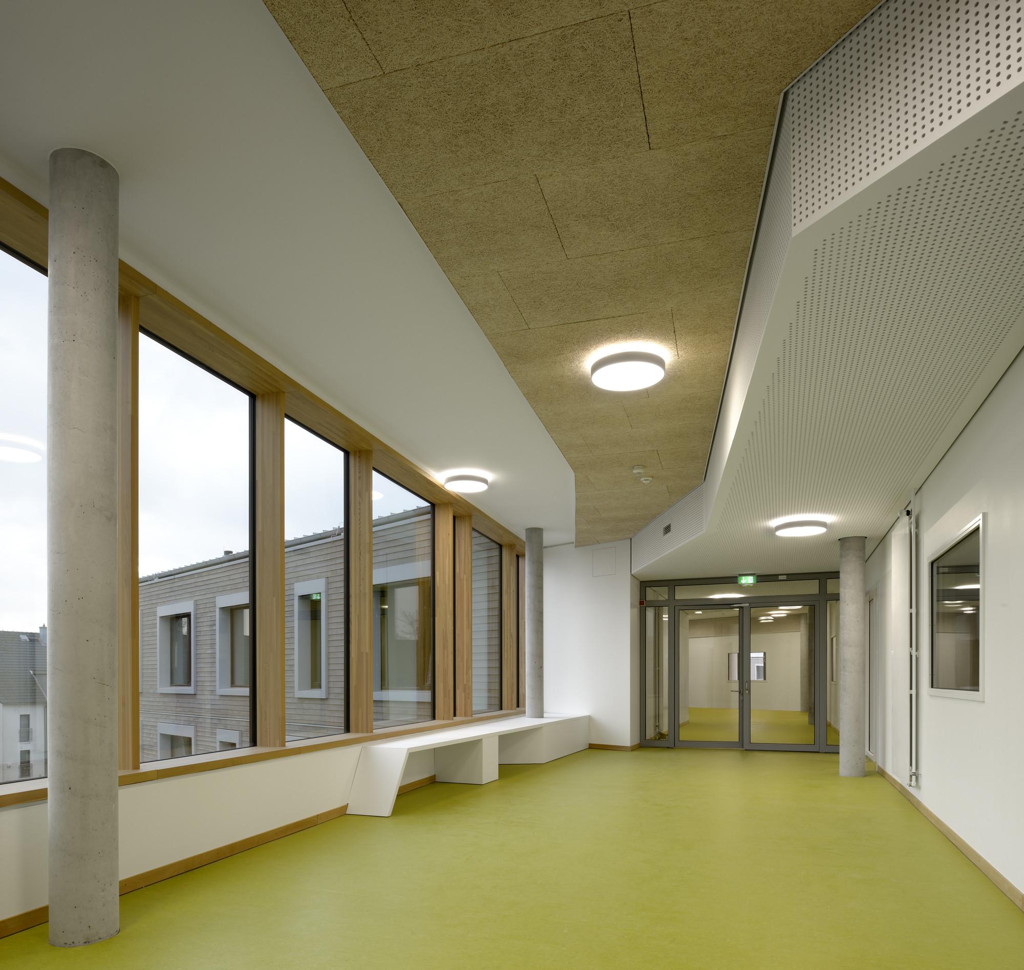 Bildungszentrum Tor zur Welt / Bof Architekten