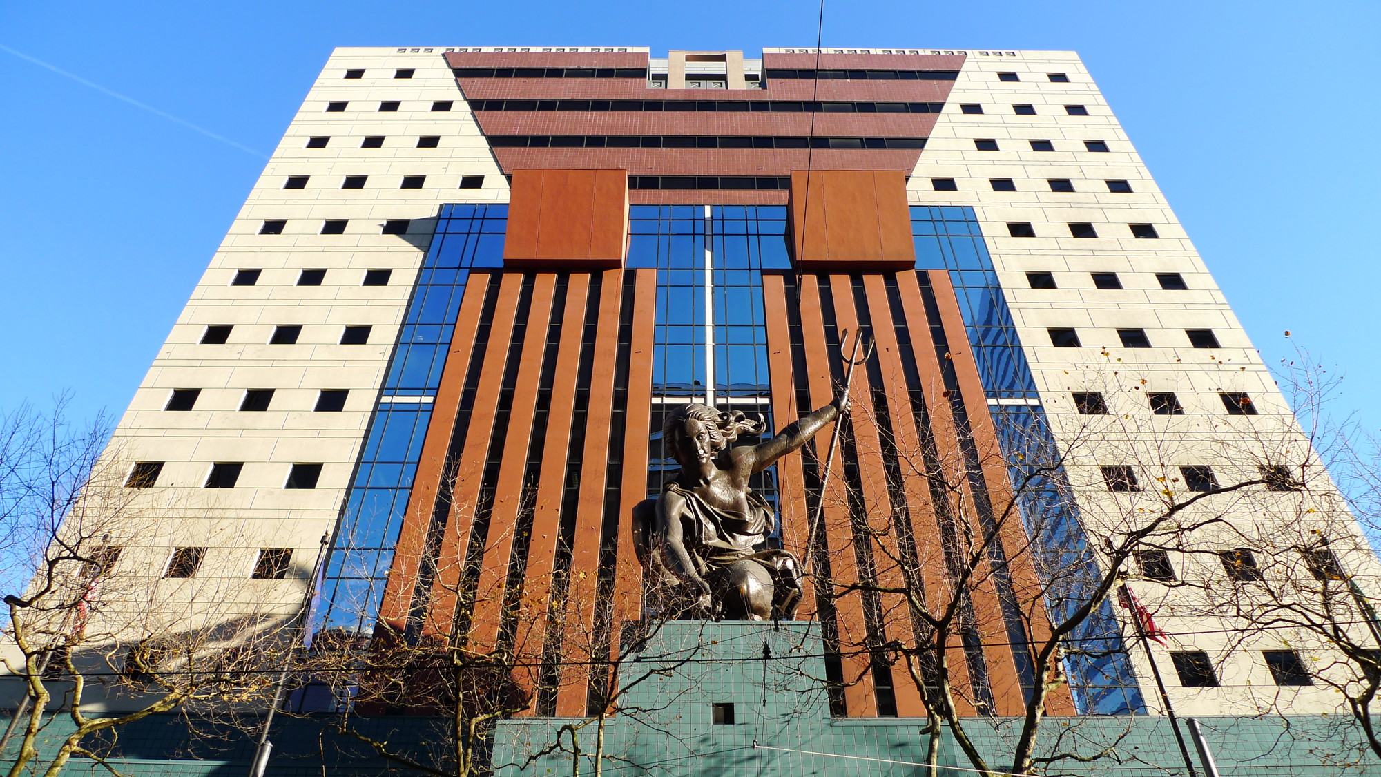 Famous Postmodern Architecture ad classics: the portland building / michael graves | archdaily