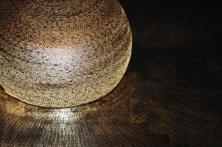 Luminárias de papelão ondulado / Guillermo Cameron Mac Lean - Estepa, Cortesia de Proyecto Estepa