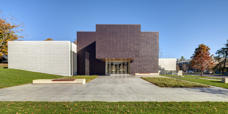 The Wellin Museum of Art / Machado and Silvetti Associates, © Anton Grassl / Esto