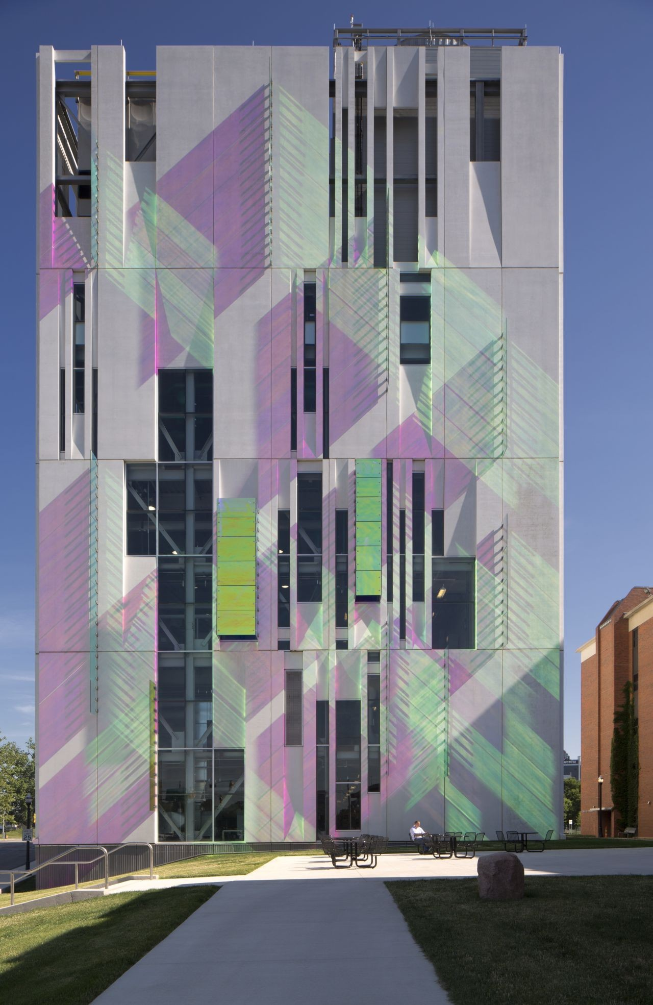 South Campus Chiller Plant at OSU / Ross Barney Architects