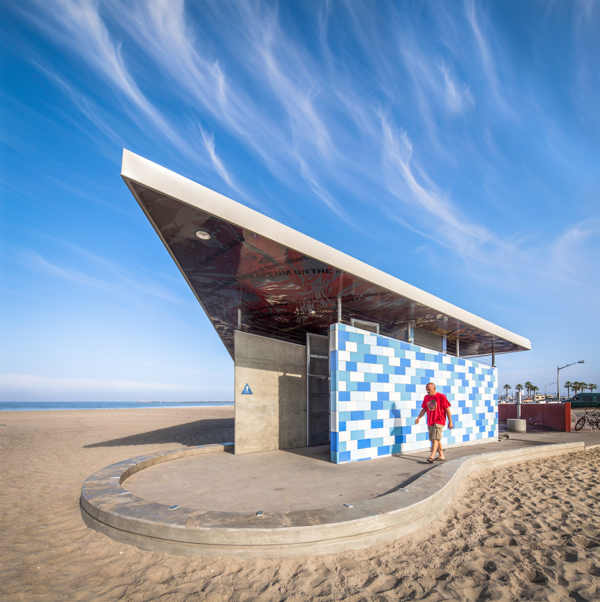 Ocean Beach: Ocean Beach Comfort Station / Kevin De Freitas Architects