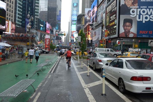 A P2P cyclist in New York City. Image ©Grant Smith, via ING Media