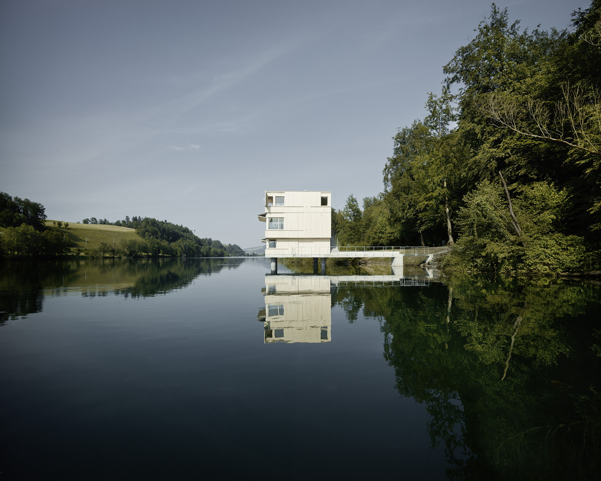 Lake Rotsee Refuge / AFGH