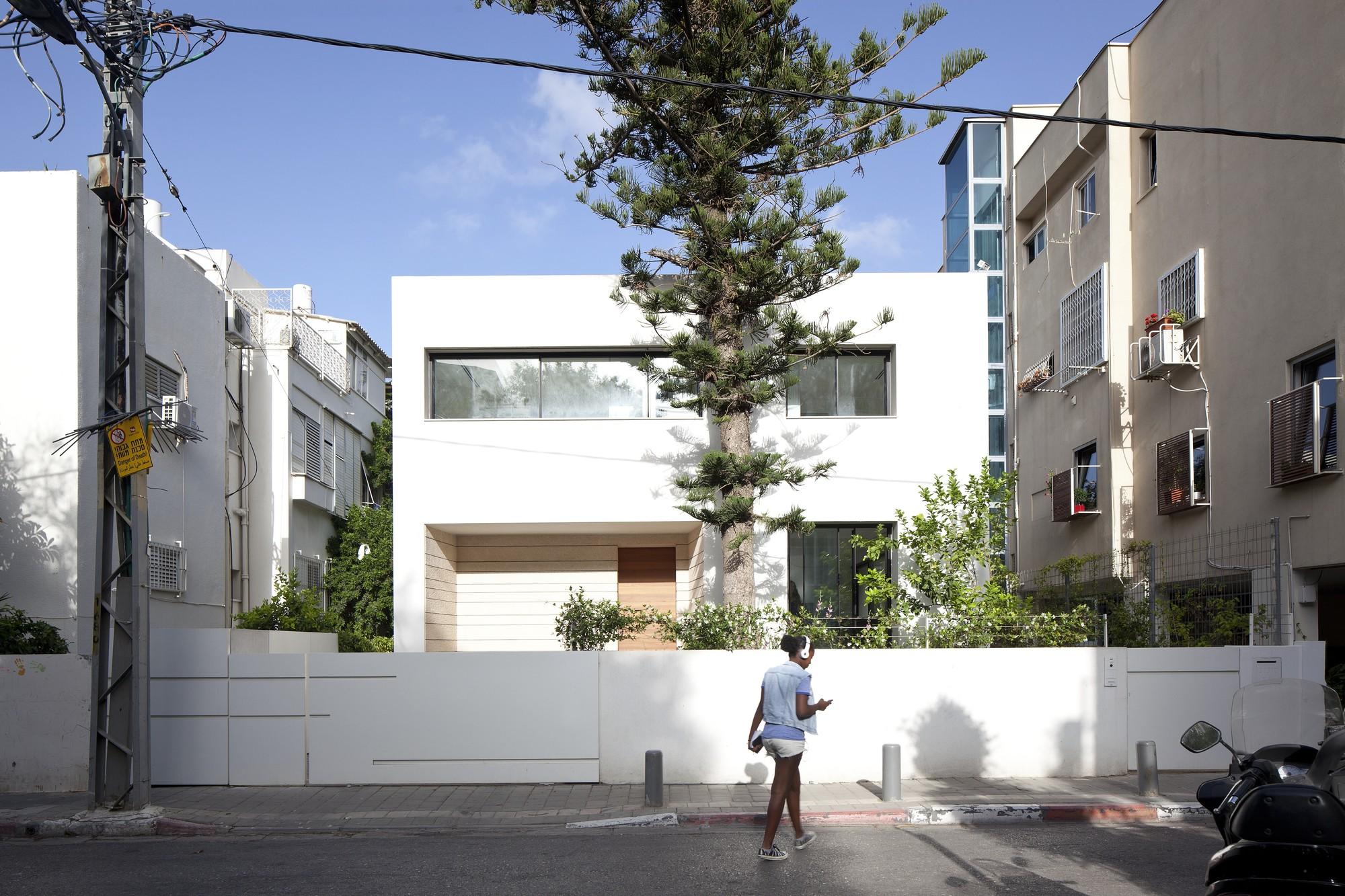 An Urban Villa / Pitsou Kedem Architects, © Amit Geron