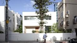 An Urban Villa / Pitsou Kedem Architects