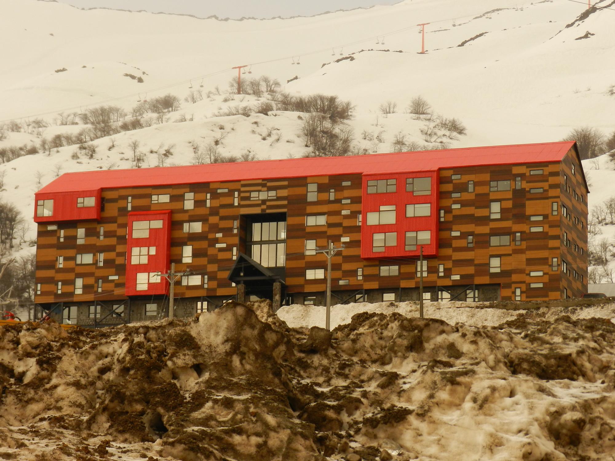 Hotel Alto Nevados, Nevados de Chillán / o2 Arquitectos