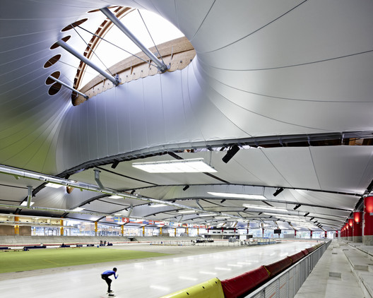 Inzell Speed Skating Stadium / Behnisch Architekten + Pohl Architekten