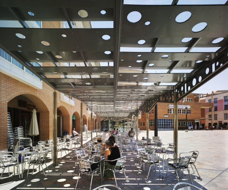 Claves para proyectar espacios p blicos confortables for Mobiliario espacio publico