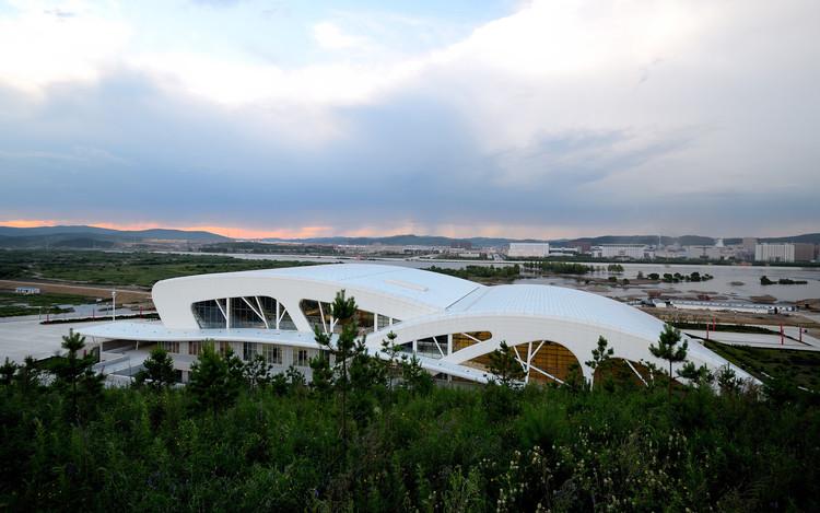 Centro de Cultura e Esporte Daxinganling / Had Architects, © Tang Jiajun