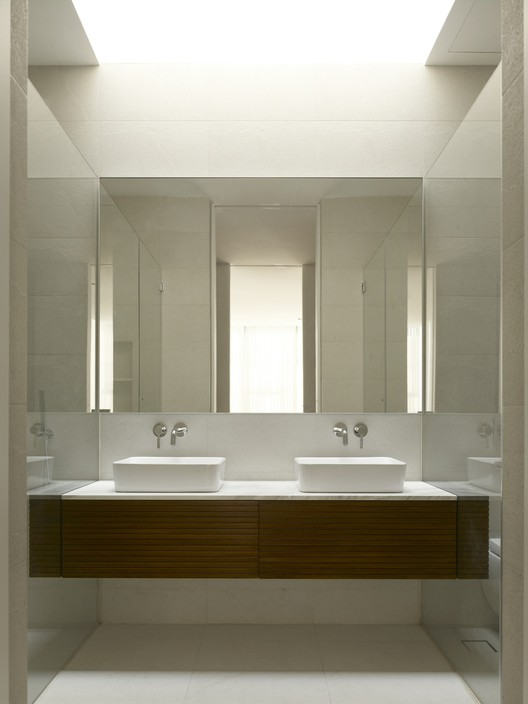 Bass ensemble hyla architects archdaily - Gorgeous modern vanity cabinets for minimalist bathroom interiors ...
