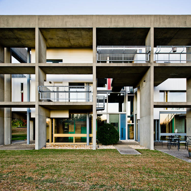Urban Fragment: Jose Oubrerie's Miller House, © Samuel Ludwig