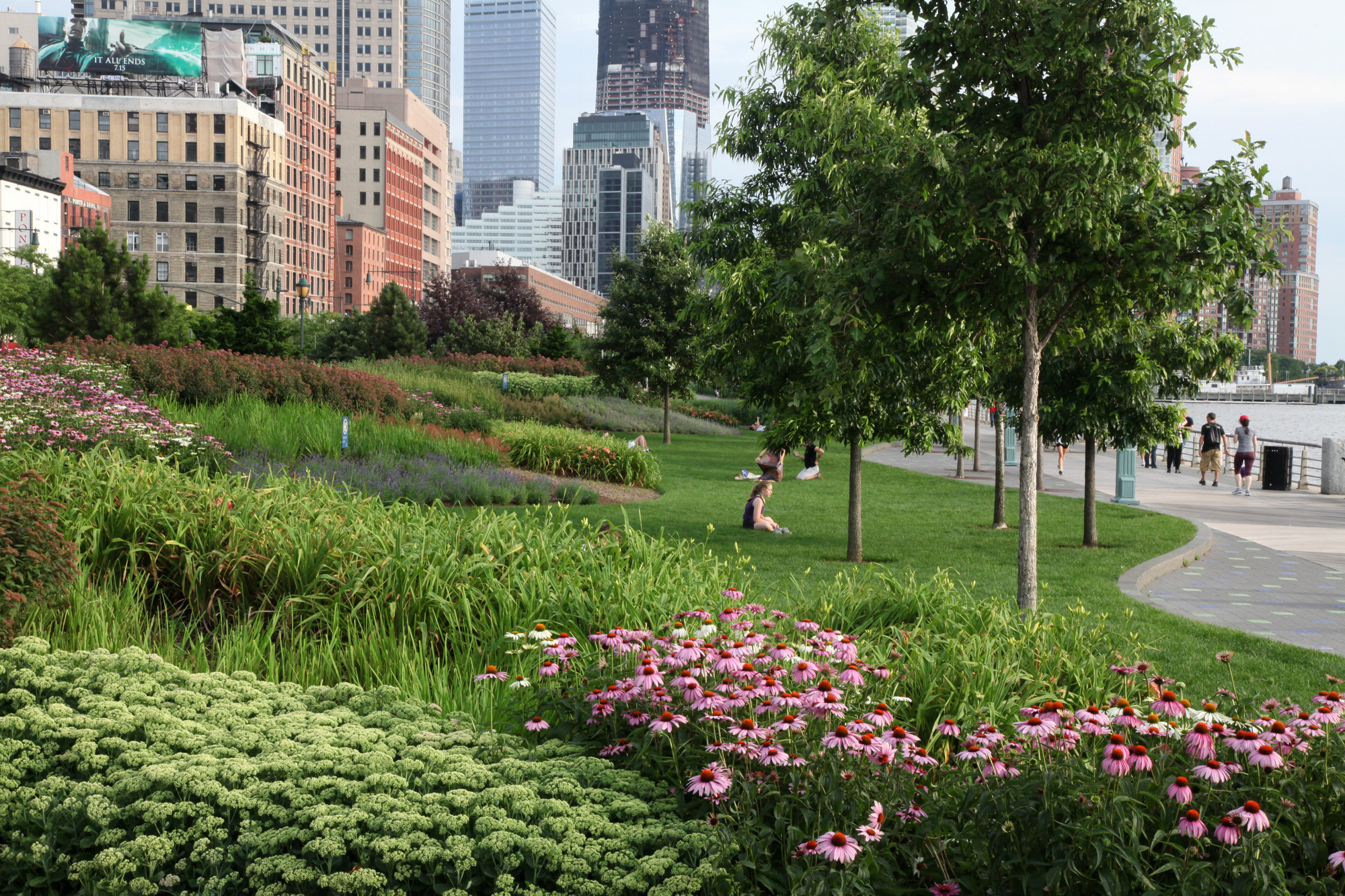 Landscape Design In Our Time of Climate Change, Hudson River Park, Tribeca Section. Image Courtesy of Mathews Nielsen Landscape Architects