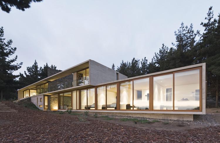 Casa Aguas Claras / Ramon Coz + Benjamin Ortiz, © Sergio Pirrone