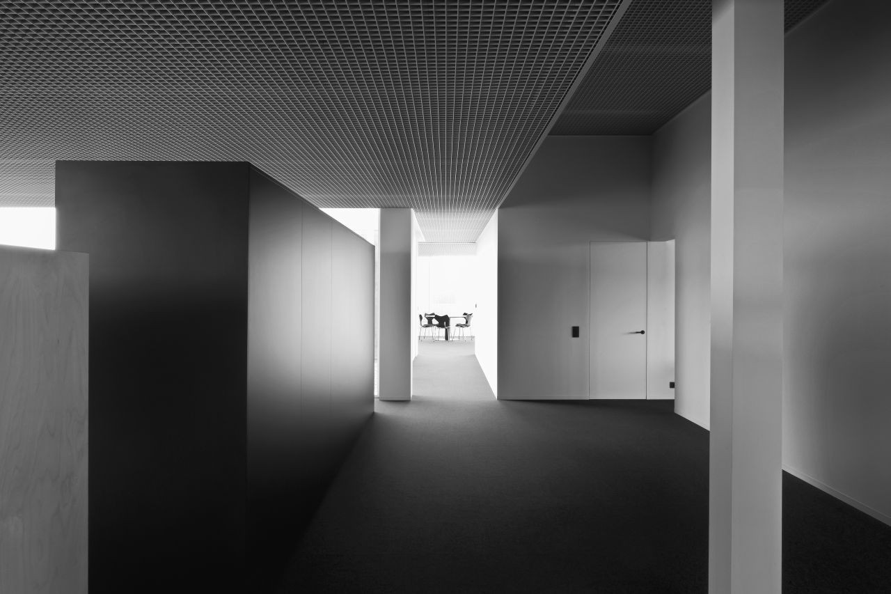 Tonickx Offices / Vincent Van Duysen Architects | ArchDaily