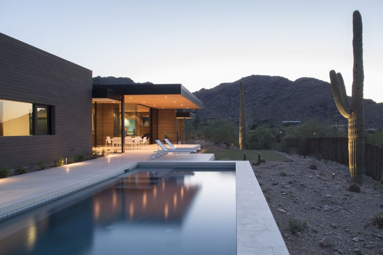 52159fbbe8e44e4ee30000eb Rammed Earth Modern Kendle Design Photo on Paradise Valley Luxury Homes