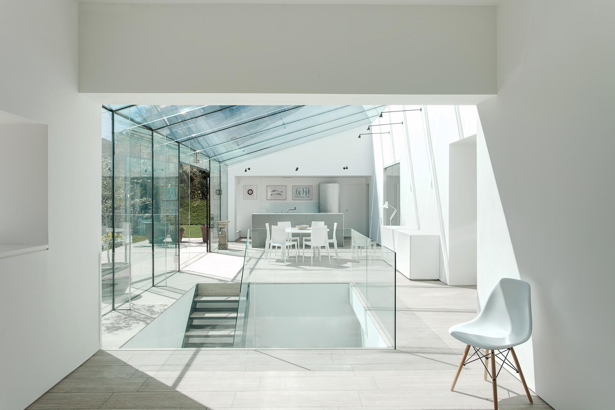 The Glass House,© Martin Gardner