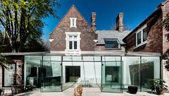 The Glass House / AR Design Studio