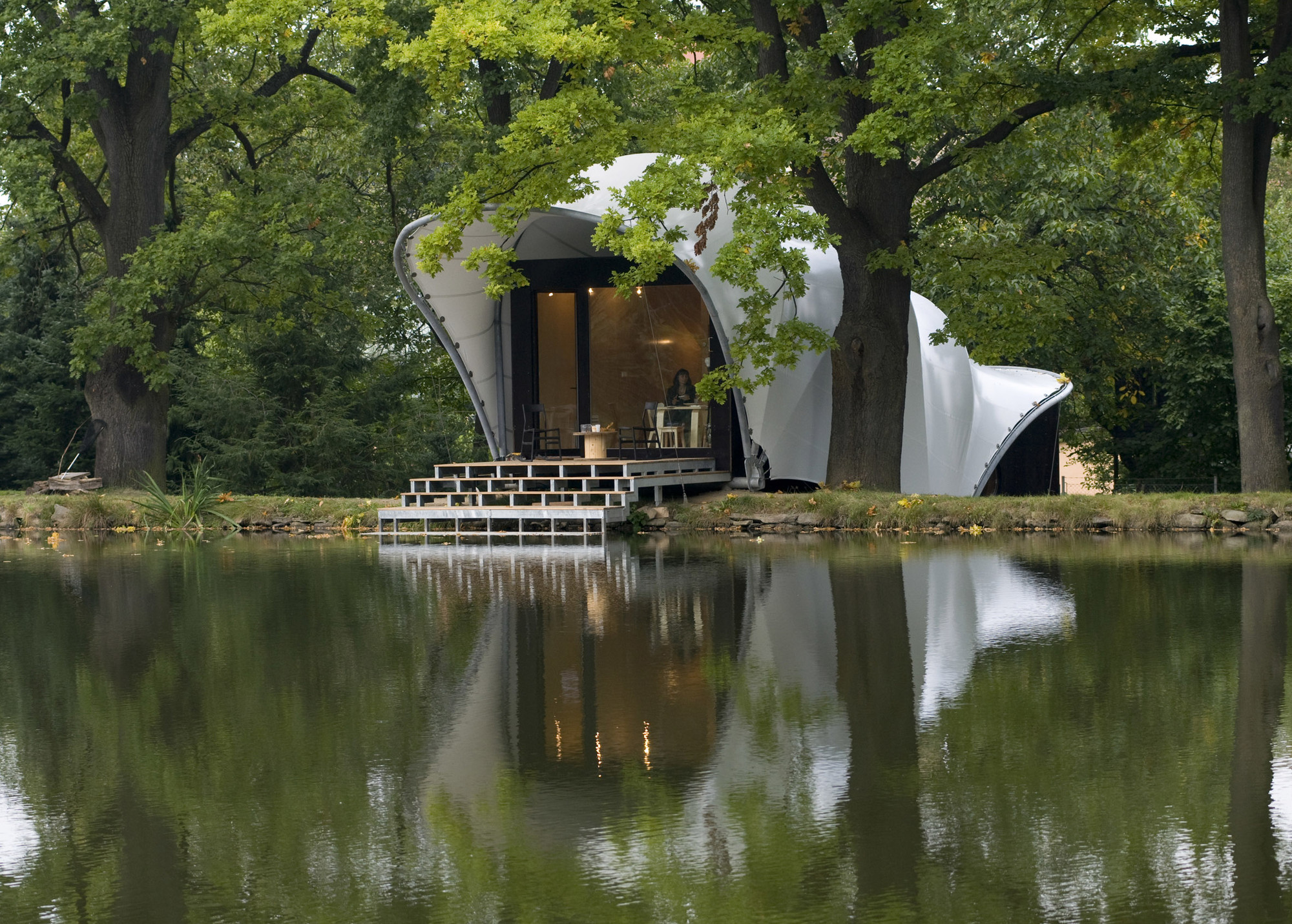Garden house at the pond m s lko ok pla - Summer projects house garden ...