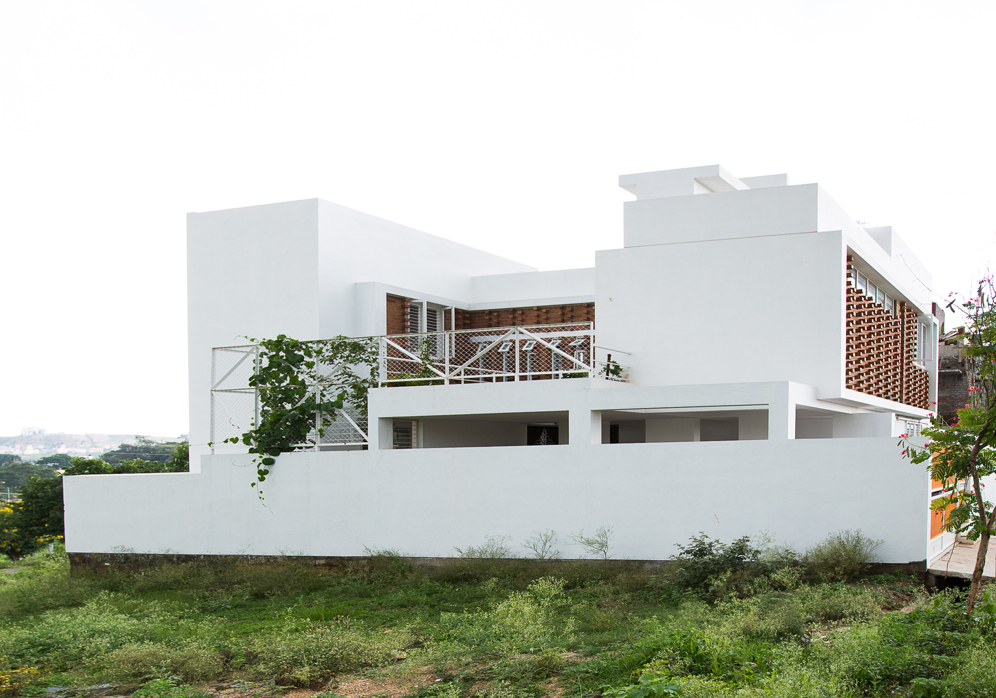 lateral house gaurav roy choudhury archdaily