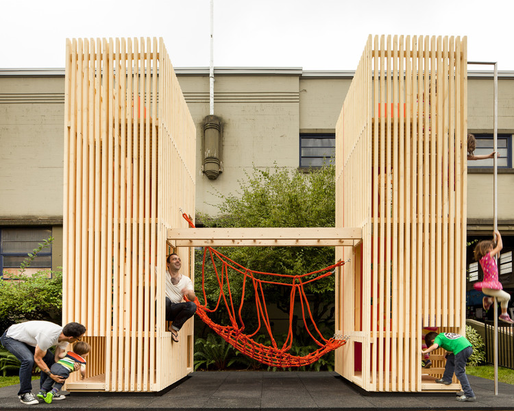 Children's Playhouse 'Sam + Pam' / Office of McFarlane Biggar Architects + Designers Inc., © Latreille Delage