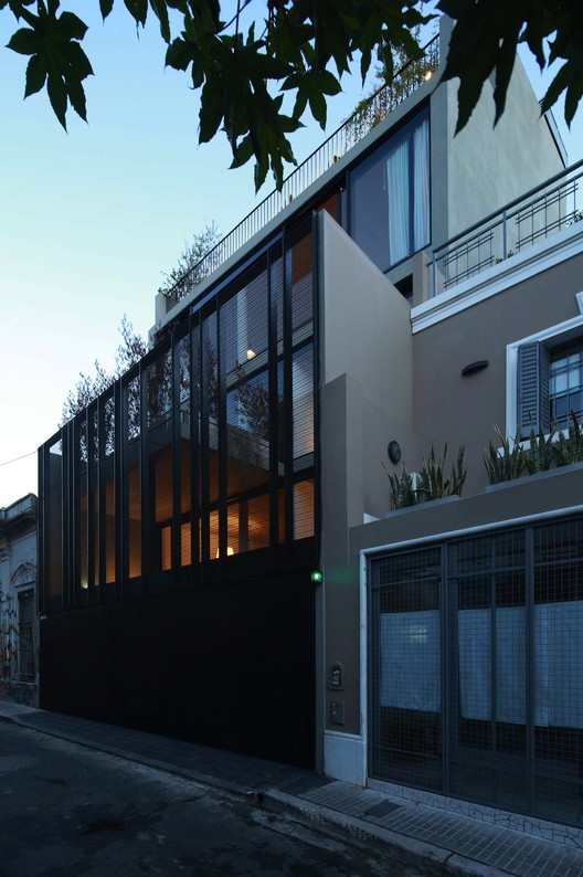 Clustered Dwellings Building / Ana Smud + Estudio Rietti Smud, Courtesy of Ana Smud
