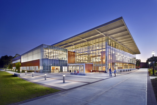 The Student Wellness & Recreation Center at Georgia College & State University. Image Courtesy of JWest Productions