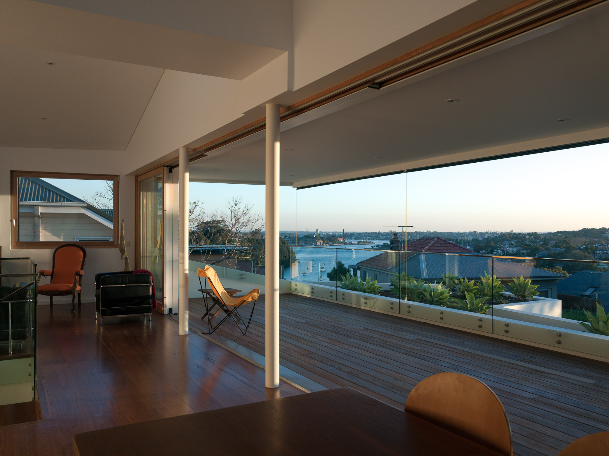 House in Greenwich / VOLPATOHATZ SA | ArchDaily