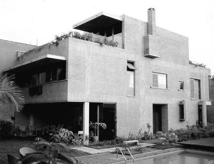 Clássicos da Arquitetura: Residência Fabrizio Beer / Joaquim Guedes, Cortesia de Grampo Design