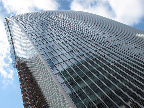 """20 Fenchurch Street, or the """"Walkie Talkie,"""" by Rafael Viñoly Architects. Image © Flickr User pembridge2"""