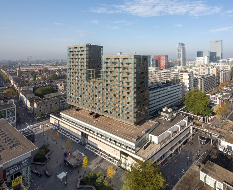 Parasita ou Salvador? A nova torre de Ibelings van Tilburg, © Ossip van Duivenbode for Ibelings van Tilburg architecten