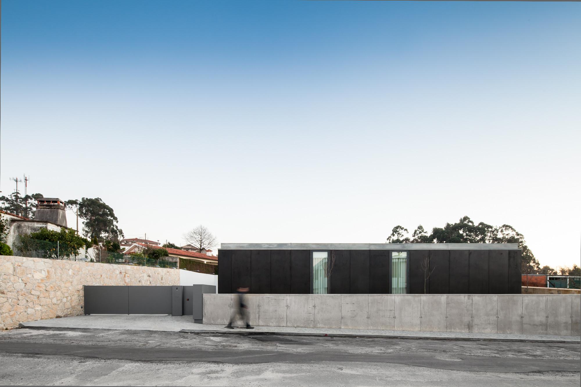 Vivienda en Mosteiro / Arquitectos Matos