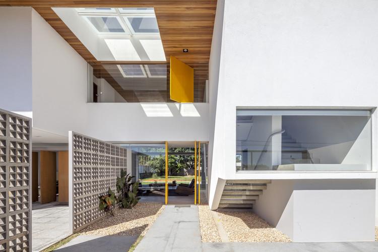 Vivienda Linhares-Dias / BLOCO Arquitetos, © Joana França