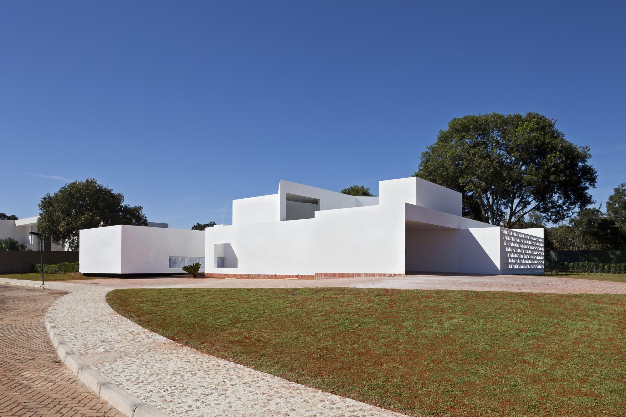 Migliari Guimarães House / DOMO Arquitetos, © Haruo Mikami