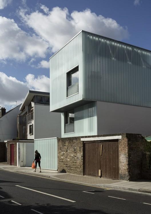Slip House / Carl Turner Architects . Image © Tim Crocker