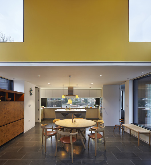 Crowbrook / Knox Bhavan Architects . Image © Dennis Gilbert