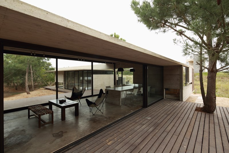 Gallery of carassale house bak architects 2 for Casas alargadas