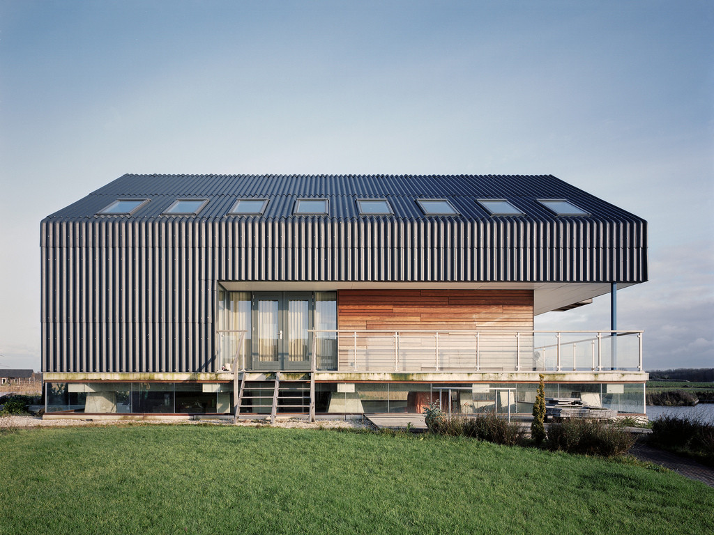 House dijk jager janssen architecten archdaily for Contemporary metal buildings