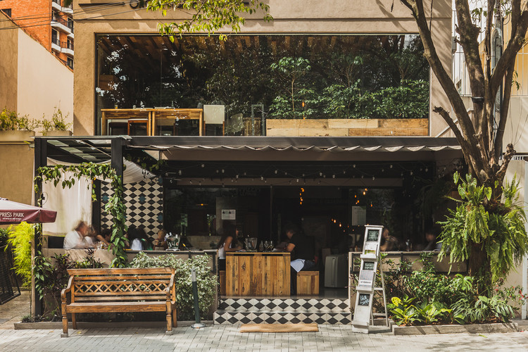 Restaurante Le Manjue Organique  / Flávia Machado, © Caio Braga