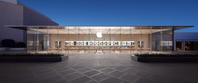 Bohlin Cywinski Jackson's Latest Apple Store Opens, Apple Store at Stanford Shopping Center in Palo Alto, California. Image Courtesy of Wall St Cheat Sheet