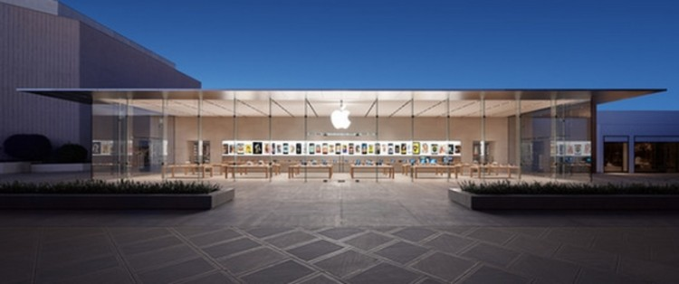 Nova loja da Apple por Bohlin Cywinski Jackson, Loja da Apple em Palo Alto, Califórnia. Cortesia de Wall St Cheat Sheet
