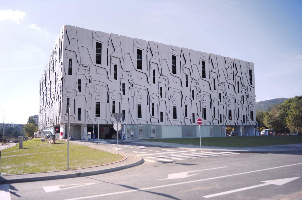 Garage Facade baroque parking garage / milan mijalkovic + ppag architects