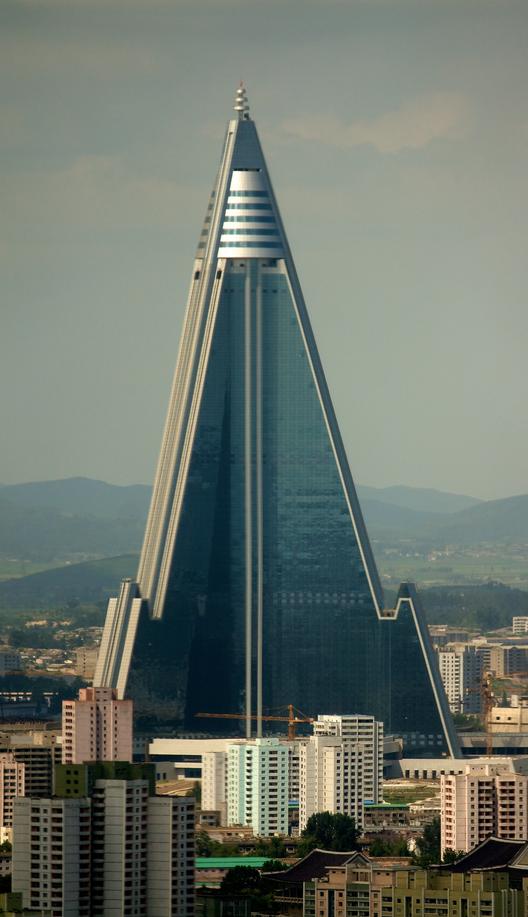 Rhugyong Hotel / Baikdoosan Architects & Engineers. Imagen © Joseph Ferris