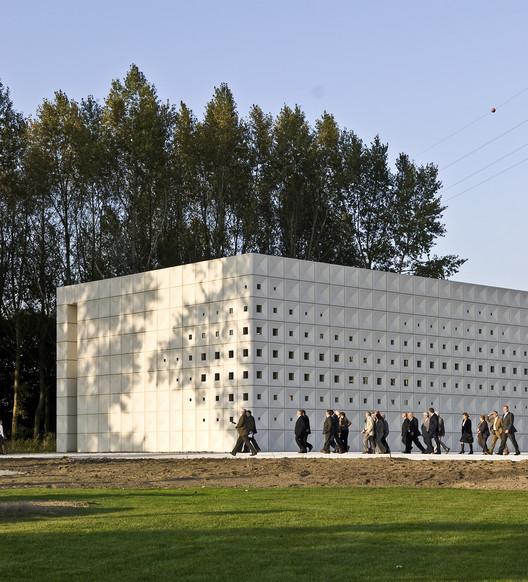 Crematorium Heimolen / KAAN Architecten, © Sebastian van Damme